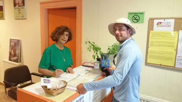 Apdema; Ana Arizti hospitalera voluntaria en el Camino de Santiago