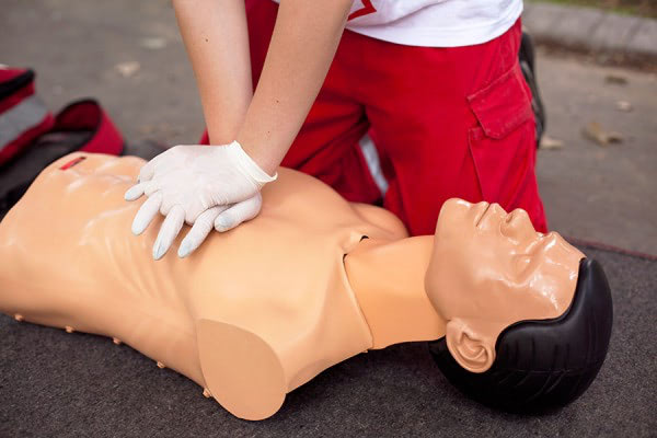 Apdema; Curso de primeros auxilios
